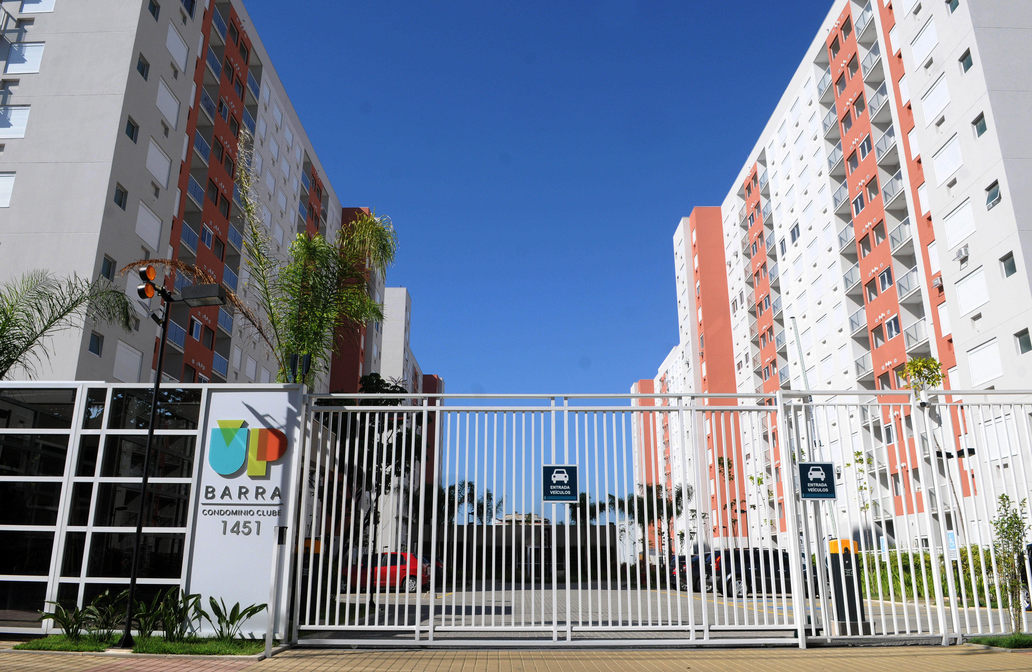 Fachada do Condomínio UP Barra
